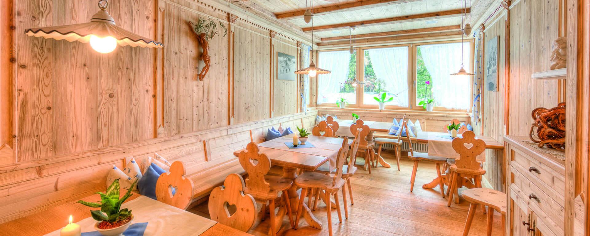 ein gourmethotel in s dtirol mitten in der natur. Black Bedroom Furniture Sets. Home Design Ideas